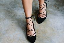 LACE UP SHOES / Lace up sandals and shoes