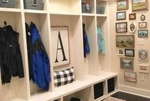 Mudroom ideas / Mudroom Ideas, Farmhouse Mudroom Inspiration, Mudroom Decor, DIY Mudroom.