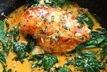 What's Cooking? / Main Course food ideas and recipes! / by Mary Whitelaw