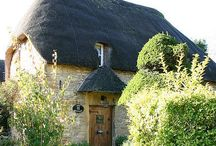 Cute Cottages and English Homes / Hobit style Cottages