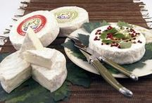 Around the world / Cheeses occur in different parts of the world in different countries and places ... All have in common only that they derived from milk, and from there the path splits into a number of flavors, aromas, shapes and colors. Unrepeatable and unique, such as the environment in which it is created.