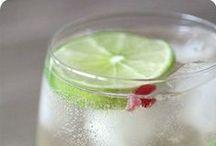 Drinks / by Elisa Abreu