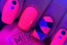 awesome nails / by mrsfluffymoomoo