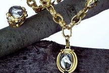 All things EQUESTRIAN / Jewelry designs influenced by the beauty of thoroughbred horses.