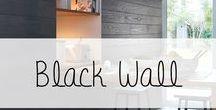 """Inspiration """"Le noir"""" / La tendance """"Black Wall"""" envahit les intérieurs...qui a dit que le noir était sombre? Dans une pièce baignée de lumière, en associant des matières telles que le bois brut et vieilli, le noir apporte chaleur et tendance à une pièce à vivre! A essayer d'urgence grâce aux parements bois Imberty."""