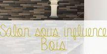 """Salon sous influence bois / Le bois matière noble apporte un cachet indéniable aux grandes pièces d'une maison : le salon, un lieu de rassemblement chaleureux et à la fois détente! Quoi de plus tendance qu'une matière """"green"""" qui s'exprime naturellement, ou sous couleurs, pour apporter une touche atypique : authentique ou moderne."""