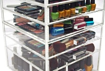 Makeup & Beauty Storage Ideas / Different ideas on how you can store your makeup and beauty products.