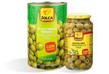 Foodservice Jolca / En esta familia encontramos distintos formatos y presentaciones de aceitunas Manzanilla, Gordal verdes, negras Cacereñas y nuestras mejores Manzanillas rellenas de anchoa.