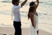 Boho Beach Brides Cornwall / Inspiration for your barefoot bohemian beach wedding on the Cornish coast ❤️