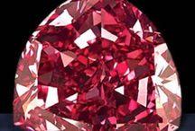 gemas, pedras e pirites