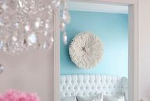 Rooms Painted to Perfection / Do you dare to put a fab color on your wall?  These rooms are painted to perfection!