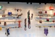 Vitrine - Vetrine - Visual Merchandising / Concepção de vitrine: cenografia e produção de moda por Alexandra Difa
