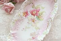 Beautiful porcelain/china/transferware