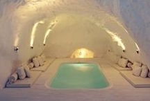 Amazing Swimming Pools / Explore some of the worlds breathtaking pools