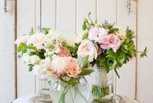 Gardening: Flowers and Floral Arrangements. / Flowers and Floral arrangements for the Garden