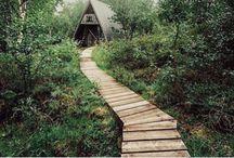 A-ramme hytteinspirasjon / Samling A-ramme hytter til inspirasjon for eget bruk.. må få bygget meg en slik.  Classic A-frame cabins. Inspirational, I need to build one of these.