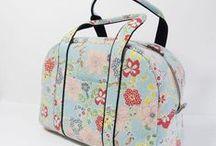 kabelky, tašky, peněženky