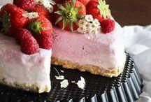 Kuchen // Dessert-Rezepte / Wir lieben Süßes! Deshalb zeigen wir euch hier unsere Lieblingskuchen, Muffins, Torten, Macarons, Donuts, Cupcakes, Cakepops...