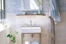 Badezimmer einrichten / Ihr wollt euer Badezimmer zu einer echten Wohlfühloase machen? Von Platzspar-Tricks bis Traumbad - hier kommen die schönsten Badezimmer Ideen!