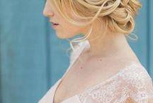 Brautfrisuren & Make-up / Hier findet ihr die schönsten Brautfrisuren von klassisch bis trendy und traumhafte Braut-Make-up-Looks. Lasst euch inspirieren!