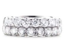 Wedding Bands for Her / When shopping for wedding bands for her look no further than Tiny Jewel Box. #tinyjewelbox #tjb
