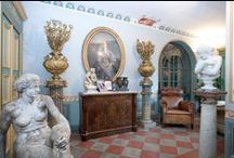 About us / The biggest permanent exhibition of antiques in Italy. More than 3000 m² dedicated to antiques dealers and to retail: thousand of antique furniture, paintings, sculptures and collecting items. Our catalogue is updated every 12 hours!  Wholesale prices: we offer full cooperation to traders and antique dealers who are interested in our products. Free shipping all over Italy! 100€ shipping in the UE. Every piece of furniture is professionally packed and sealed in a custom-made wooden box.