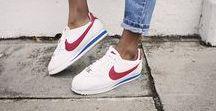 Nike || Swoosh / Just do it.