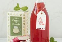 Sirup-Liebe / Köstliche Sirupe selbst herstellen! Mit unserem Sirupzucker für Holunderblüten & Kräuter und Sirupzucker für Beeren & Steinobst ist das ein Kinderspiel.