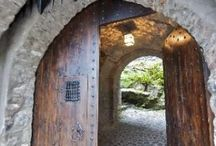 Doors     Door knockers