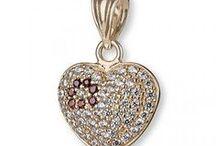 Biżuteria damska / Srebrna i złota biżuteria damska - kolczyki, wisiorki, bransoletki i inne.