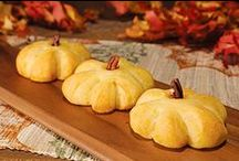 Fall Baking with Bridgford! / It is officially FALL! Let's celebrate with these delicious seasonal recipes that your friends and family are sure to love! #BridgfordFoods / by Bridgford Foods