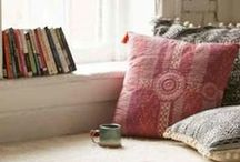 book nooks / cozy book nooks inspiration