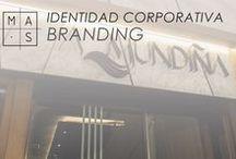 MAS · Identidad Corporativa / Instantáneas de nuestros proyectos de identidad corporativa. Potenciamos la imagen de marca de nuestros clientes.