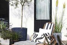 Trädgårdens uteplatser / Förslag på möjliga och mysiga uteplatser, skjul, växthus, altaner sittplatser, och mera