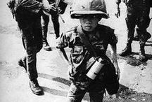 Robert Capa - A Haditudósító, fotoriporter / Aki háborúkról írt és filmet forgatott róla.