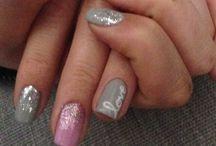 Kimmi nails / Gelish Valentine's nails with nail art.