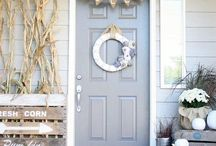 Cozy Fall Porches / Ideas for decorating our front porches to reflect the hospitality and warmth of Autumn's beauty!