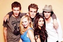 My lovely Vampire Diaries/Originals ♡♥ / by Elisa Hernandez