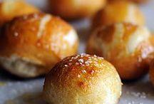 Cuisine - Bread basket / pass the bread basket please!