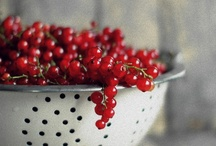 Red Food Photography / by Anja Schwerin
