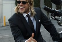 Charlie hunnam / So so hot ..... Ouch