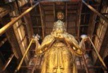 Bouddhisme en Mongolie / Le bouddhisme en Mongolie : temples, rituels, symboles... http://www.rando-cheval-mongolie.com/bouddhisme-mongolie.html