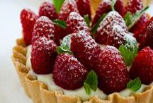 Food; Mouthwatering delicious sweets / Delicious food