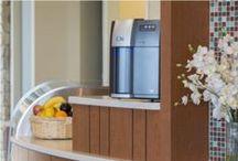 Facilities / Distributori d'acqua, Distributori di bevande, Distributori snack, Macchine per caffè, Arredamento e mobili su misura, Pellicole isolanti, Ristrutturazioni, Sistemi di sicurezza, Sistemi Modulari