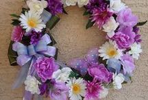 Spring and Summer Wreaths / by Patsy Prescott