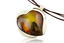Necklaces / Silver necklaces in various variants – with a semi-precious stone, with amber, with a prolongation or with a solid thong.