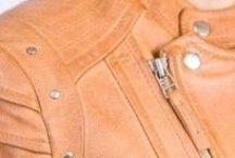 Blousons Cuir Femme / Revacuir - Blouson - Perfecto - Gilet - Blazer - Bombardier - Veste - Peau lainée - Fourrure - Manteau - Etole Cuir pour Femmes Marseille - Aix - Plan de Campagne  http://www.revacuir.fr/vetements-femme-Blouson--croissant-1.html
