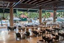 Las Américas Casa de Playa / Recientemente remodelado, Las Américas Casa de Playa es un paraíso tropical en Cartagena de Indias, con suites y habitaciones con vistas al Mar Caribe y sus bellas noches y atardeceres. Sus atractivas playas y el encanto de su arquitectura lo convierten en el lugar perfecto para que te diviertas y relajes, disfrutando de un servicio superior en un ambiente autóctono del Caribe Colombiano.