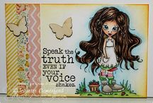 Smash books/journaling ideas / These are awesome! Can't wait to get my craft room set up!  / by Loriann Ingvarsson
