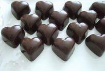 belginin çikolata atölyesinden / el yapımı çikolatalar..belçika kuvertürleri ile hazırlanan, kalıp çikolatalar,rocheslar, trufflelar